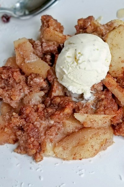 apple crisp al a mode on plate