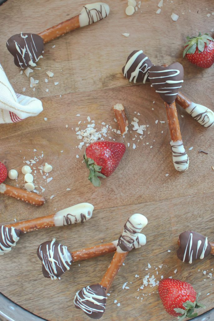 overhead shot of chocolate-covered strawberry pretzels