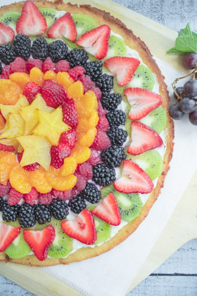 fruit pizza on board