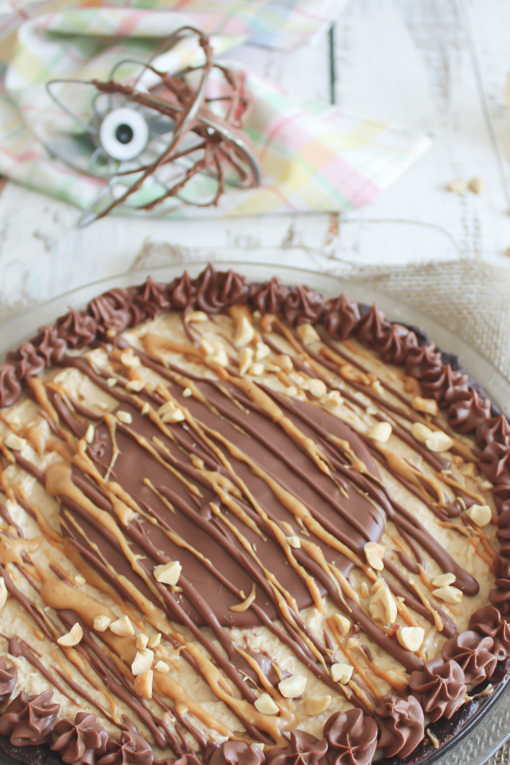 close angle of entire peanut butter pie