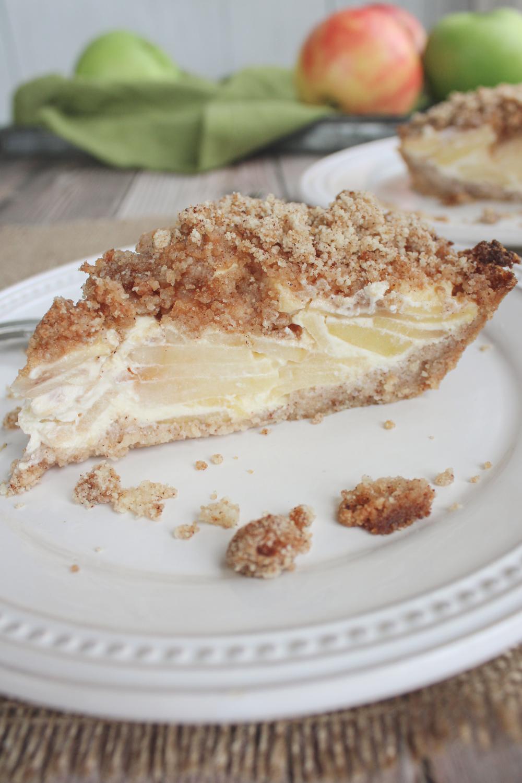 slice of sour cream low carb apple pie